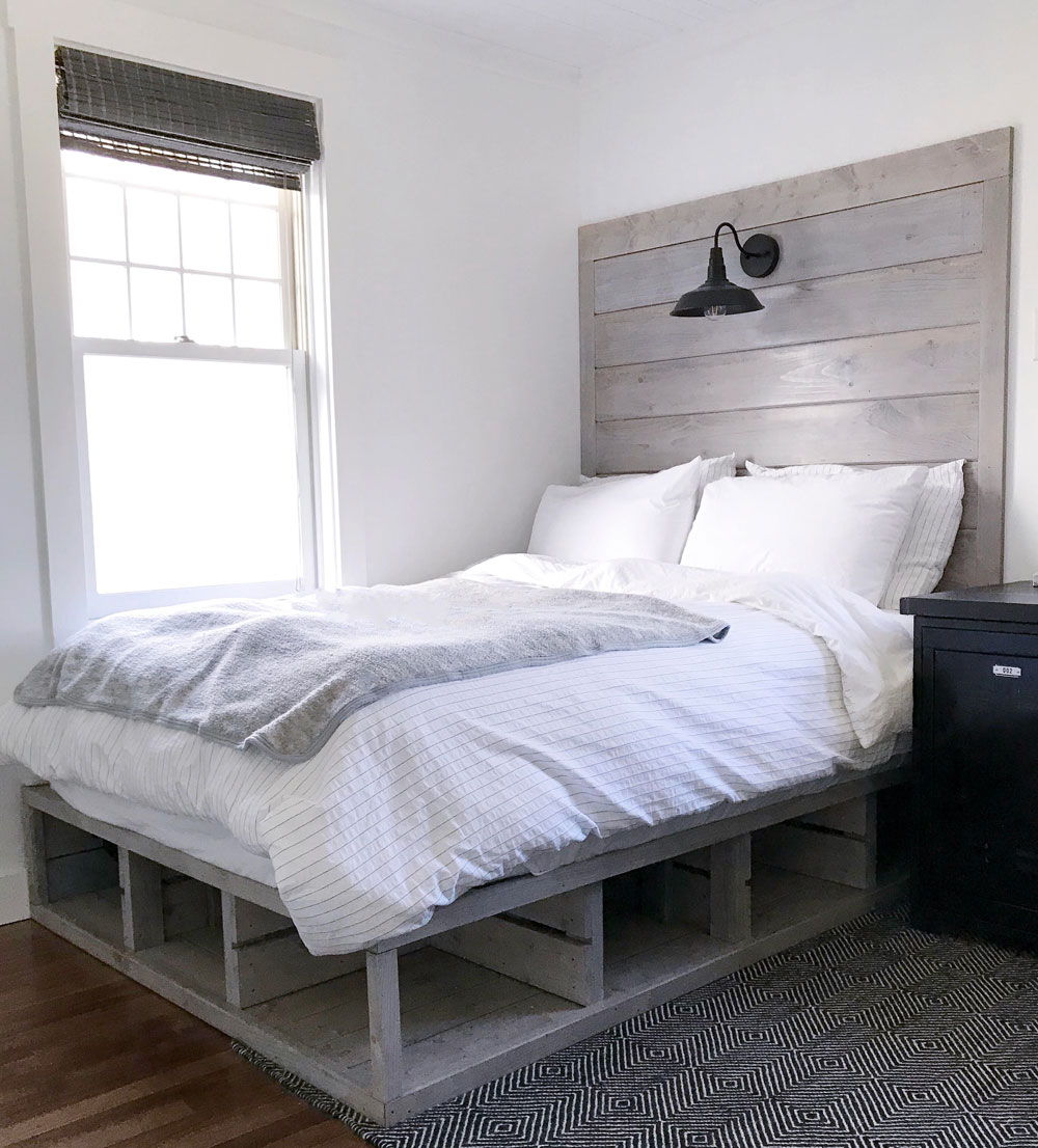 Crate Style Storage Bed And Headboard Spruc D Market